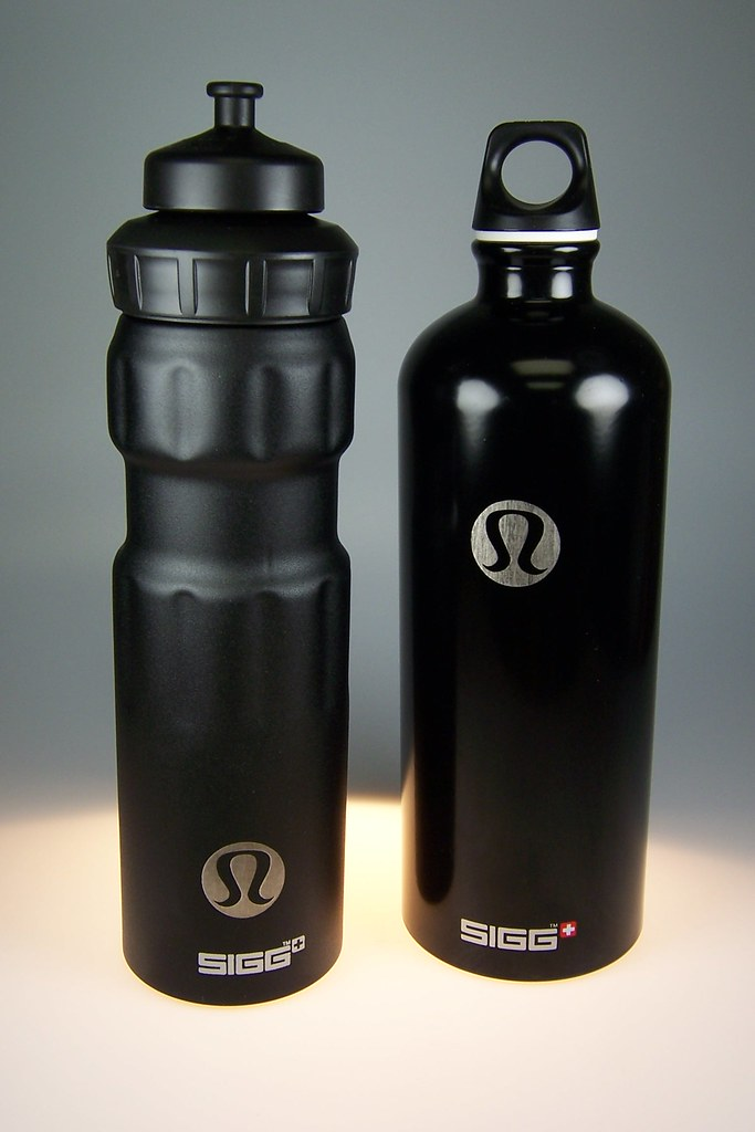 how to clean lululemon water bottle
