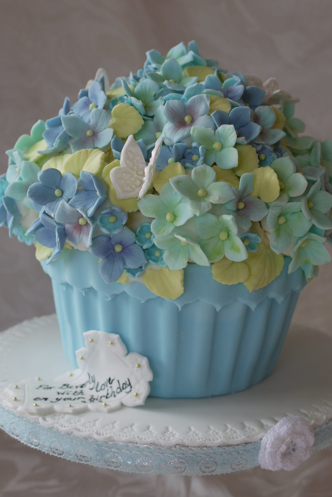 D Flower Birthday Cake