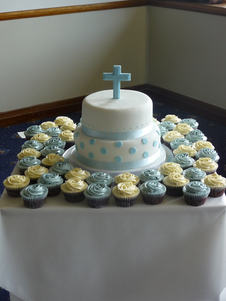 First holy communion cake susie 99 flickr - Decoration table de communion ...