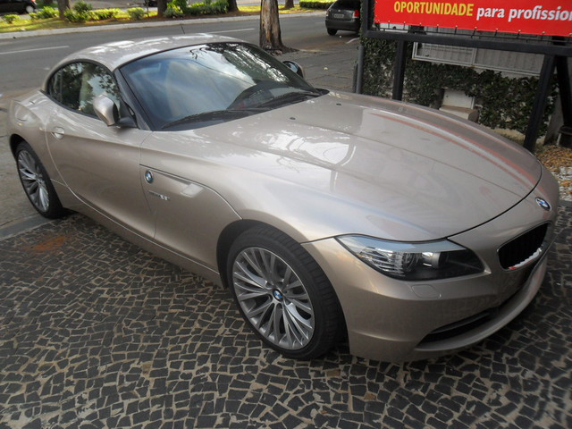 bmw z4 s drive 23i linda configura o bege com interior. Black Bedroom Furniture Sets. Home Design Ideas