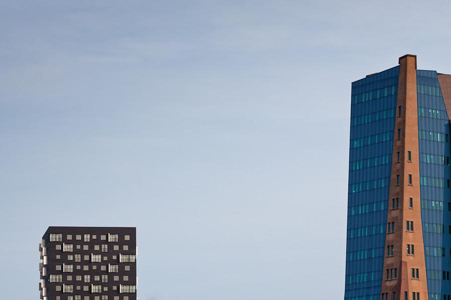 Modern vs organic links de top van de 70 meter hoge toren flickr - Bibliotheques ontwerp ...