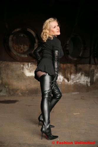 Ladies Fashion Flat Boots