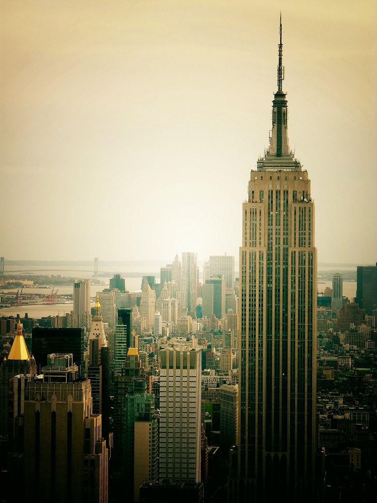 new york city skyline view from top of the rock new york. Black Bedroom Furniture Sets. Home Design Ideas