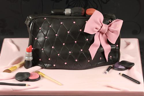 How To Make Makeup Bag Cake