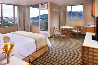 Queen_Kapiolani_Hotel_Jr_Suite | by Aqua Hotels and Resorts