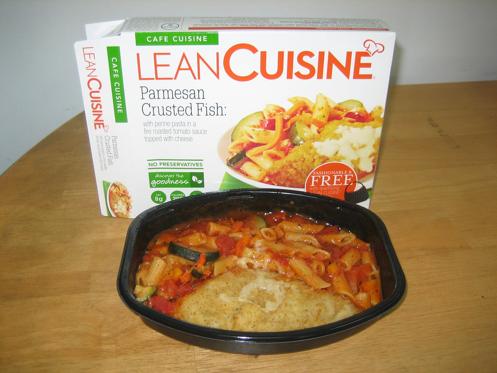 Lean cuisine cafe cuisine parmesan crusted fish click for Are lean cuisine dinners healthy