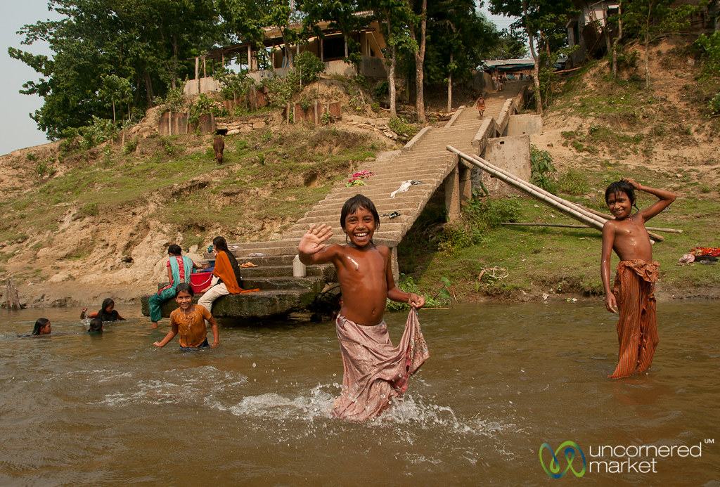 Children Bathing And Playing - Shangu River Near Bandarban -9424