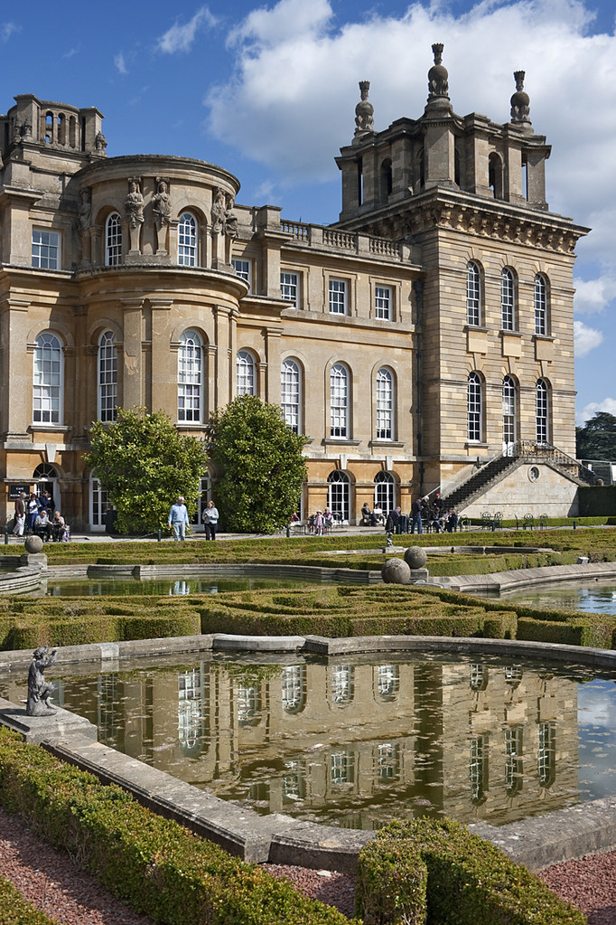 The water terrace the water terrace at blenheim palace for Blenheim builders