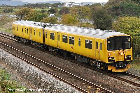 how to get to barrangaroo by train