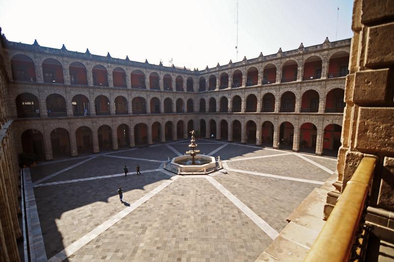 Interior palacio nacional ramon sanchez flickr for Palacio de los azulejos mexico