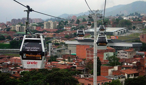 Medellín Metrocable improves mobility for residents of informal ...