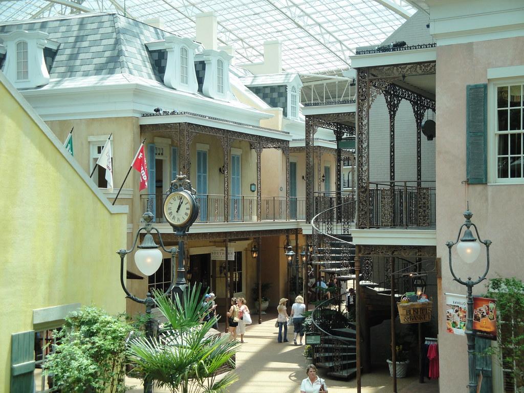 Grand Opry Hotel
