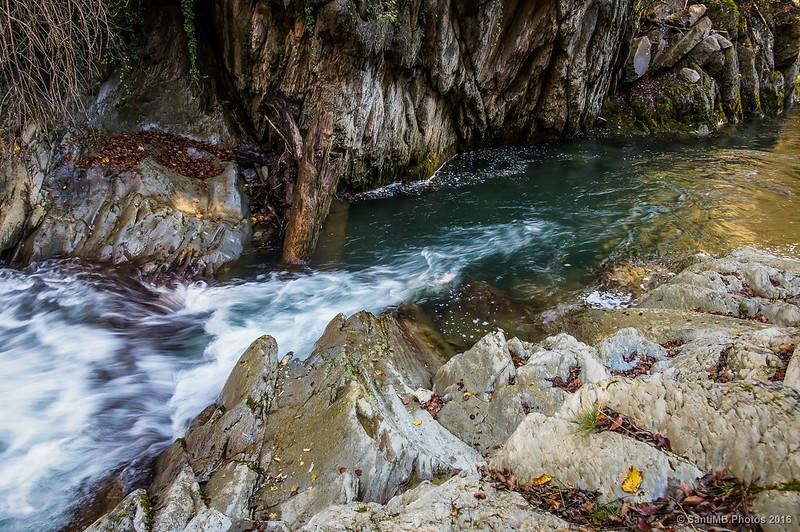 Seda en la cascada
