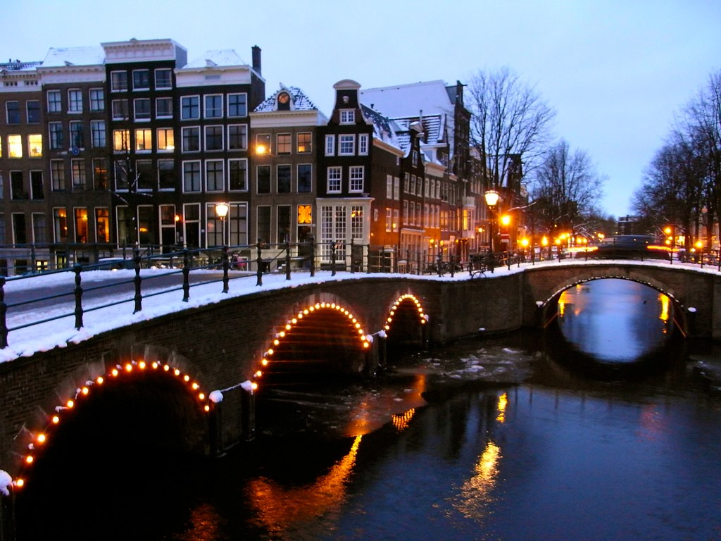 Canals in amsterdam michele benericetti flickr for Ostelli amsterdam