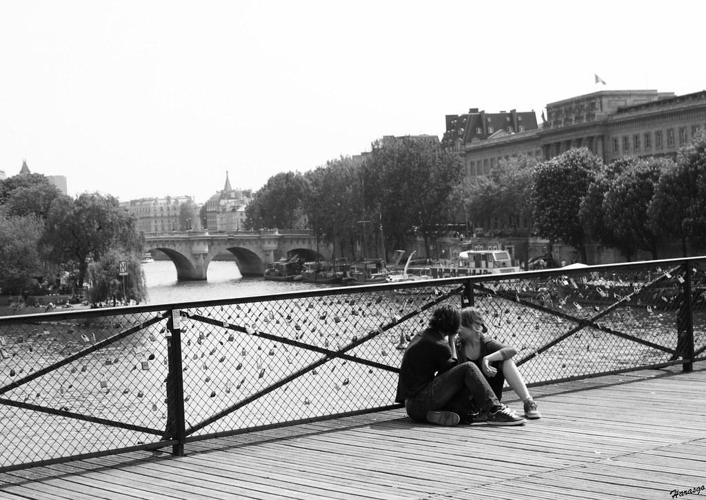les amoureux du pont des arts le pont des arts ce pont c flickr. Black Bedroom Furniture Sets. Home Design Ideas