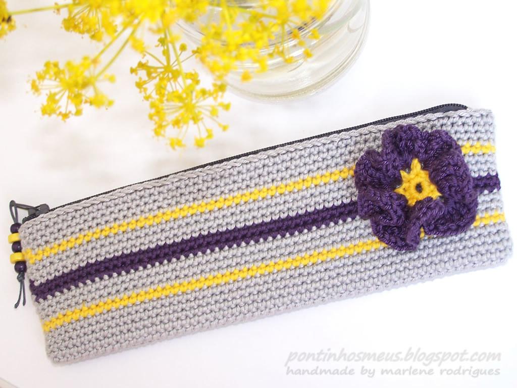 crochet pencil case   pontinhosmeus.blogspot.com/2011/06 ...