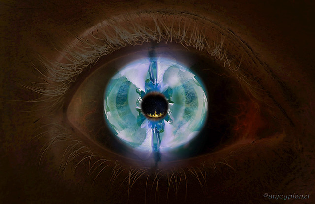 Iris Eye Hd The open d...