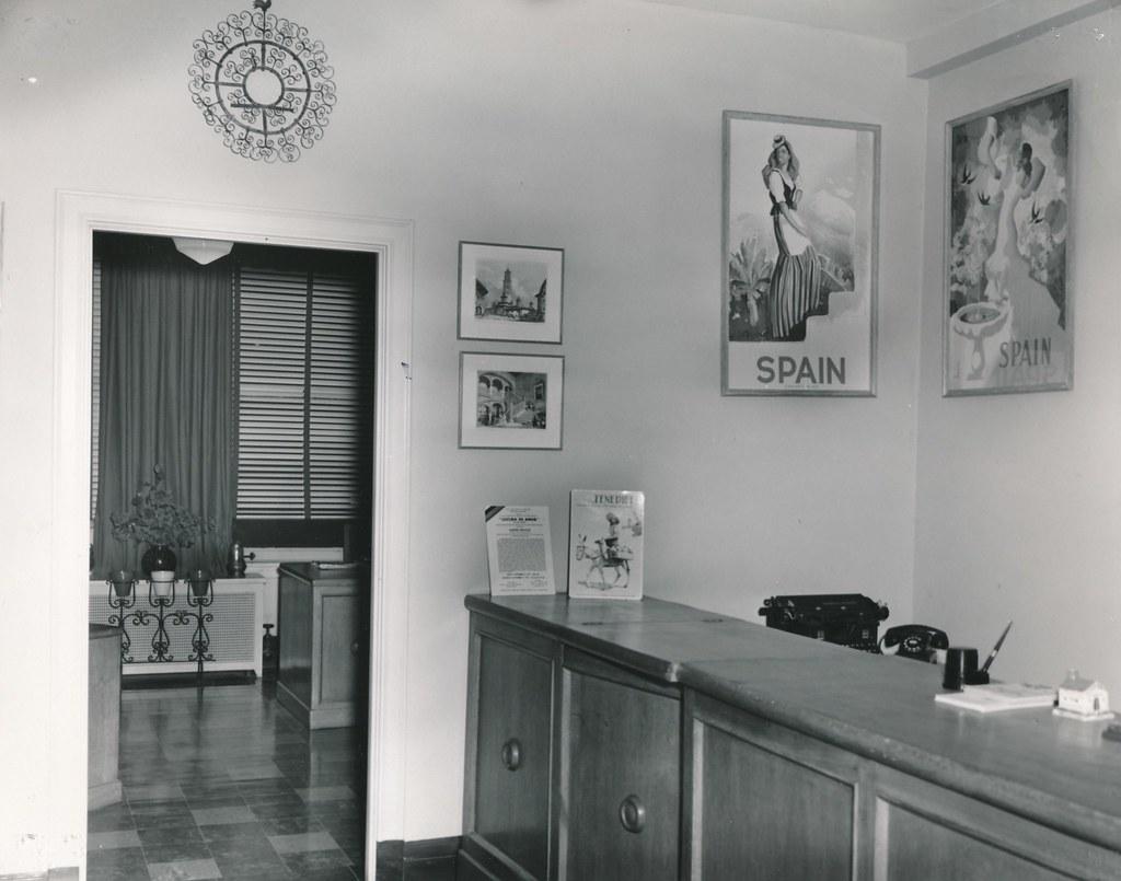 Oficina espa ola del turismo en chicago interior detalle flickr - Oficina de turismo zaragoza ...