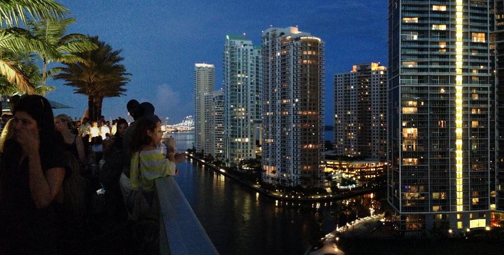 Romantic Dinner Miami Beach Cruise