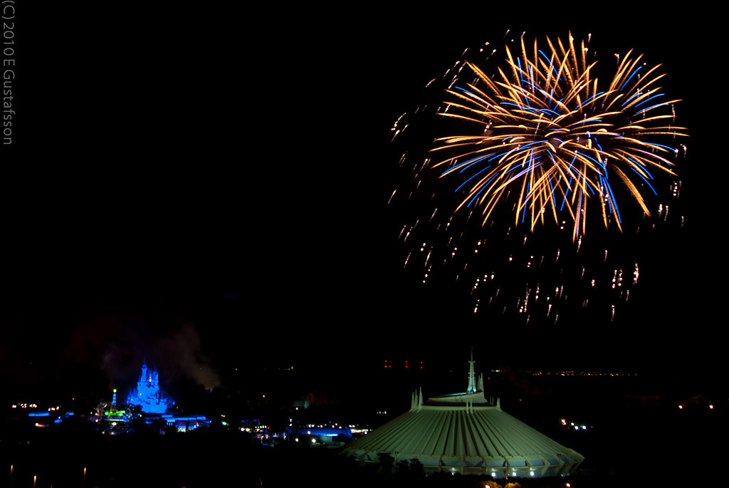 Fireworks over Space Mountain | Disney World, Magic ...