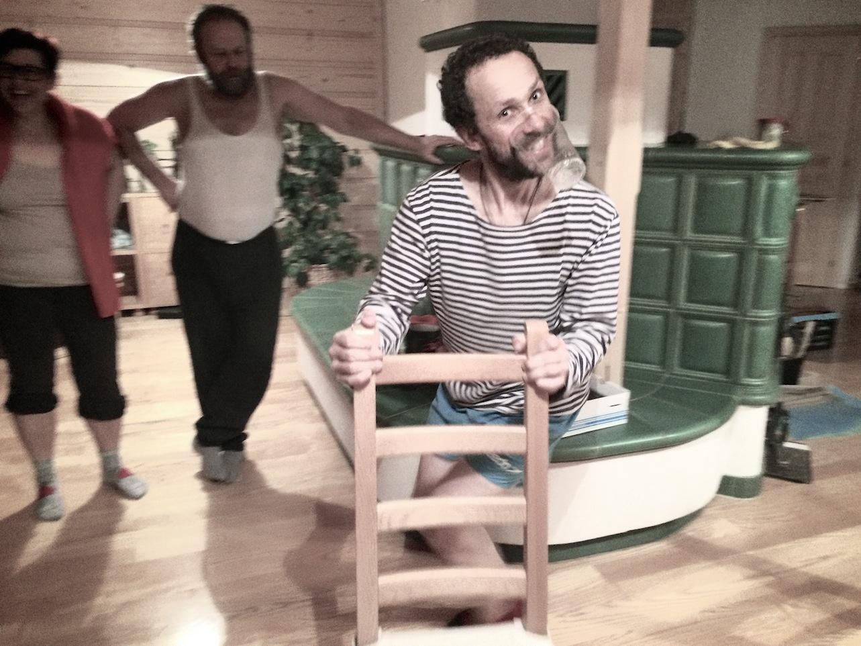 Taneček s židlí