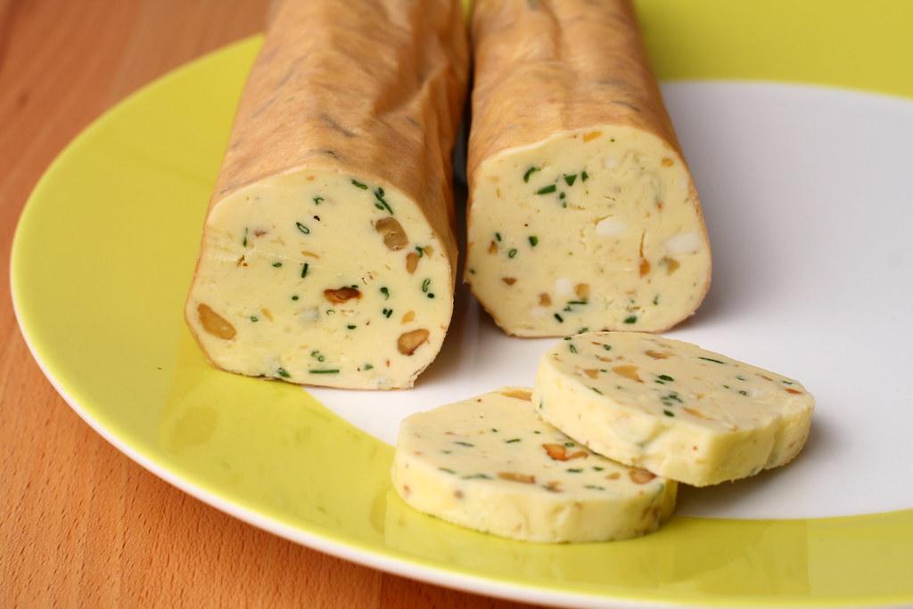 Walnuss-Gorgonzola-Butter   Rezept hier: www.morenz.de/2011 ...