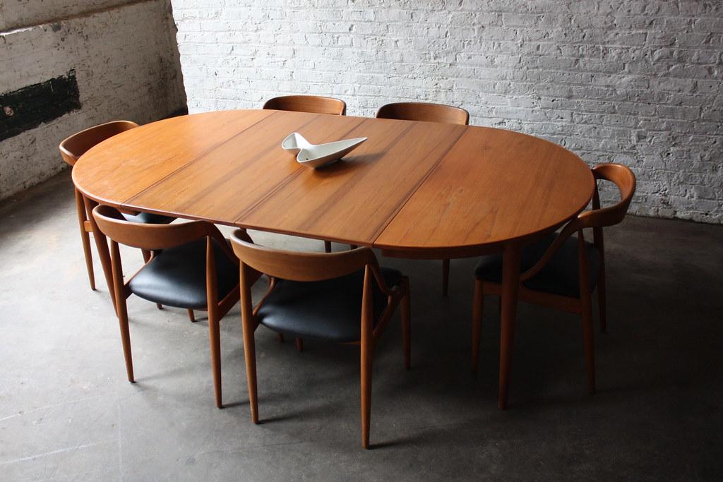 Breathtaking Johannes Andersen Danish Modern Teak Dining T