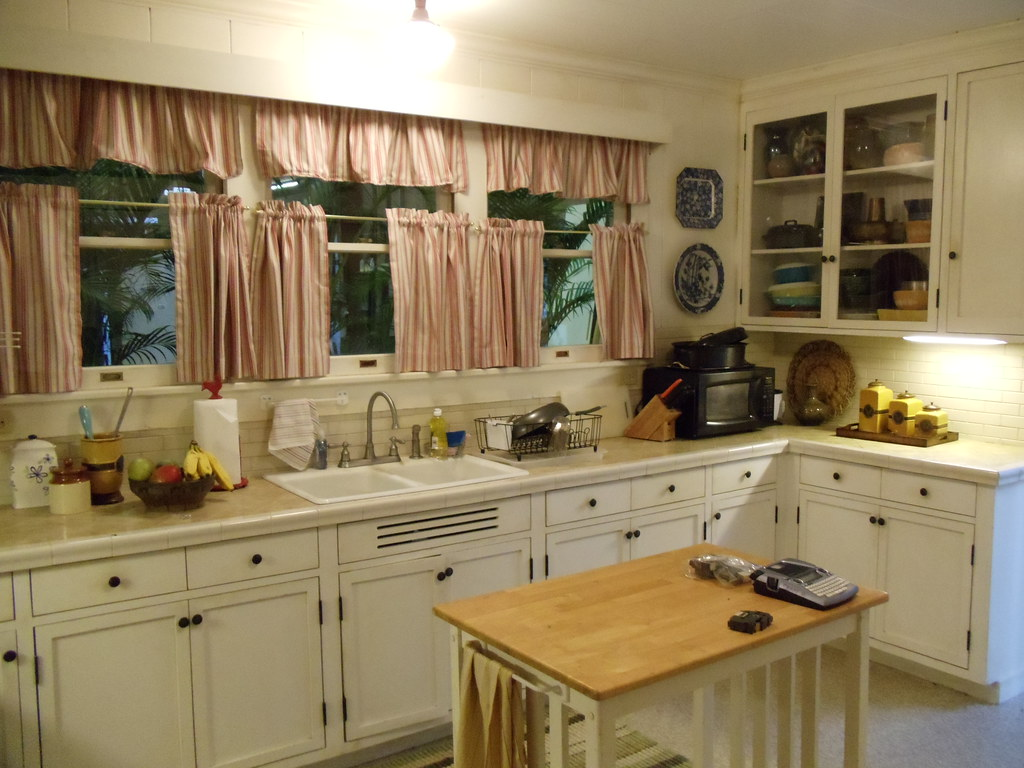 Mcgarrett house kitchen set rick romer flickr for House kitchen set