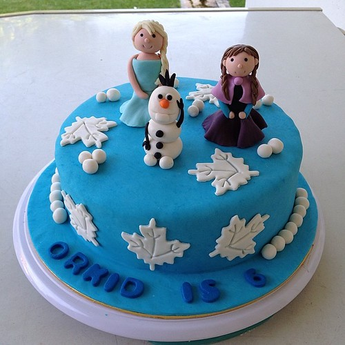 Happy 6th Birthday to Orkid.... #frozen #themed #birthday #cake by # ...
