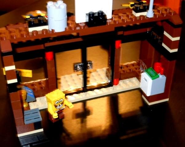 LEGO Spongebob Krusty Krab   inside - 107.4KB