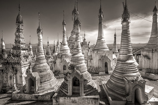 Shan Stupas at Thaung Tho Village | by The Nomad Within (Pete DeMarco)