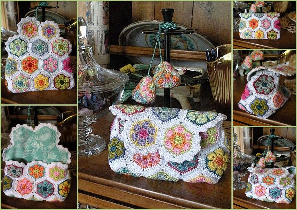 pochette et pompons en african flowers au crochet pochette flickr. Black Bedroom Furniture Sets. Home Design Ideas