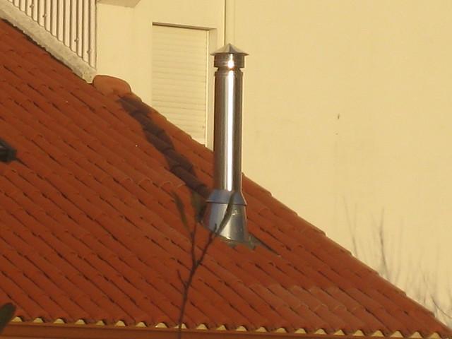 Salida de chimenea a tejado en acero inoxidable www - Tubo de acero inoxidable para chimeneas ...