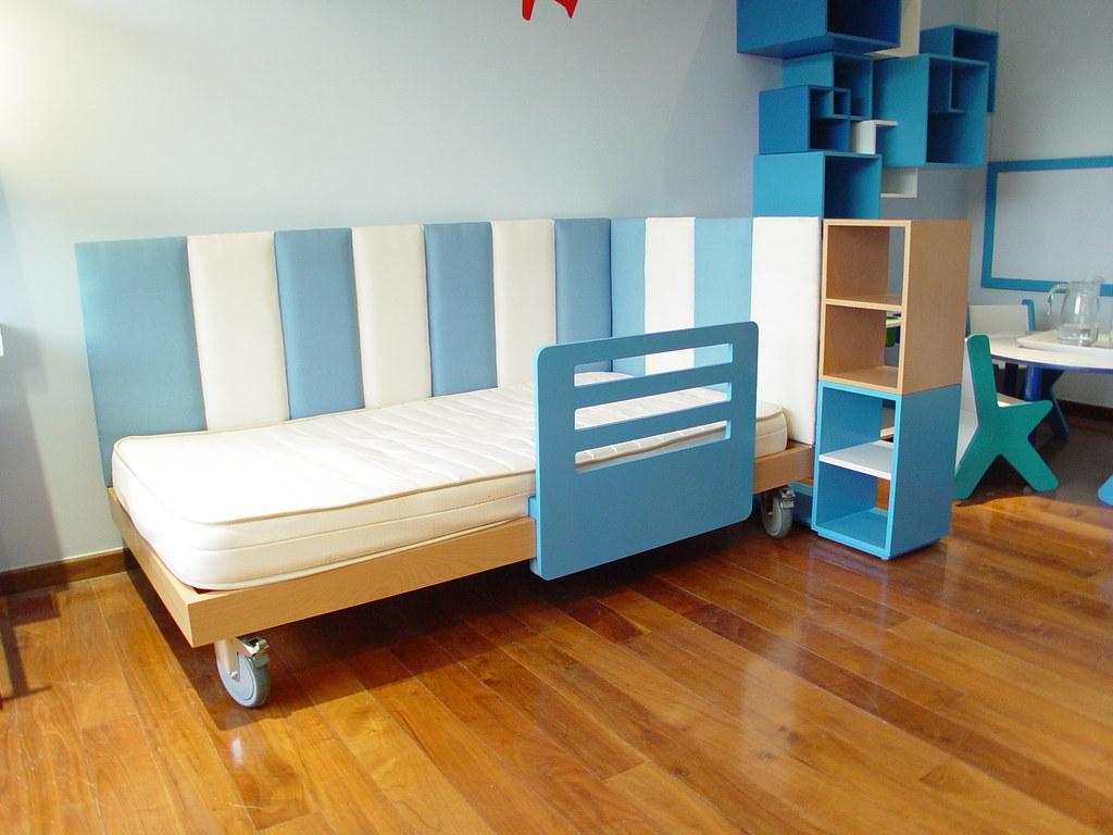 Cama para ni o tama o individual con librero y rodajas - Doseles para camas infantiles ...