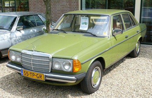 Mercedes benz 240d green vl 1982 flickr photo sharing for Mercedes benz 240 d