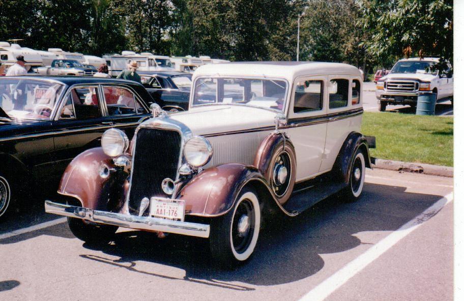1933 dodge 4 door sedan this 1933 dodge sedan is seen at for 1933 plymouth 4 door