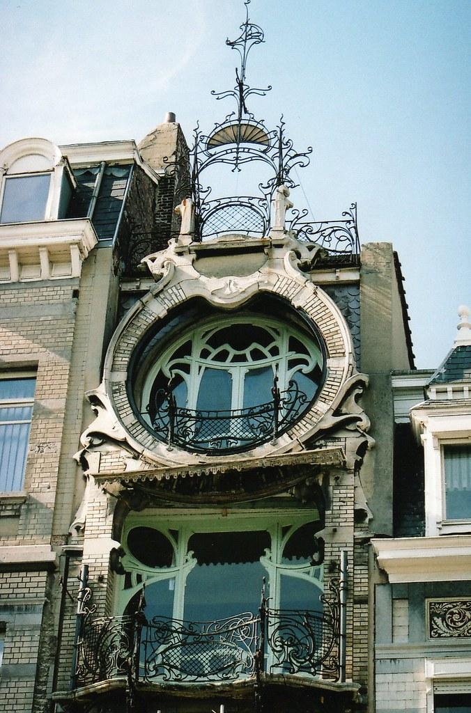 Maison saint cyr 11 square ambiorix bruxelles archite for Maison deco belgique