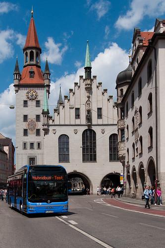 Neben dem neuen gibt auch das alte Rathaus ein hervorragendes Motiv ab