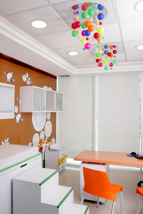 Dise o de consultorio pediatrico dise o de ambientacion for Mobiliario 2 mao
