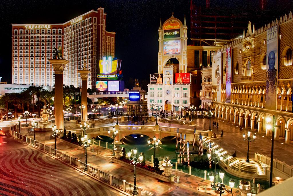 Vegas Christmas Lights