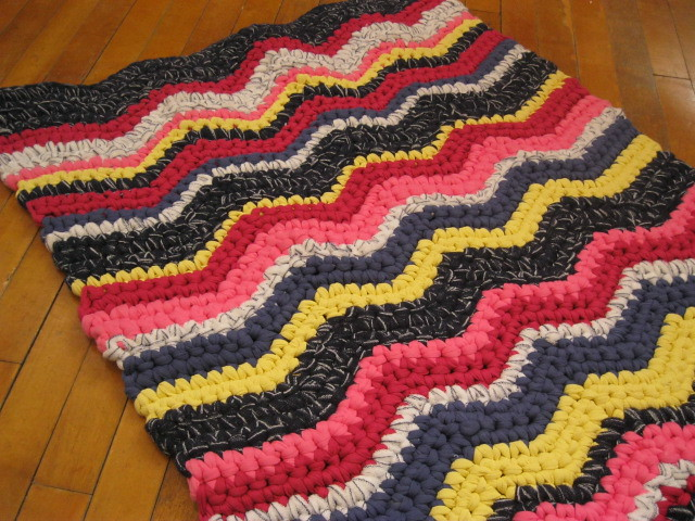 Crochet Pattern For Zig Zag Rug : Red/Blue/Yellow Crocheted Zigzag rug Mrs Ginther Flickr