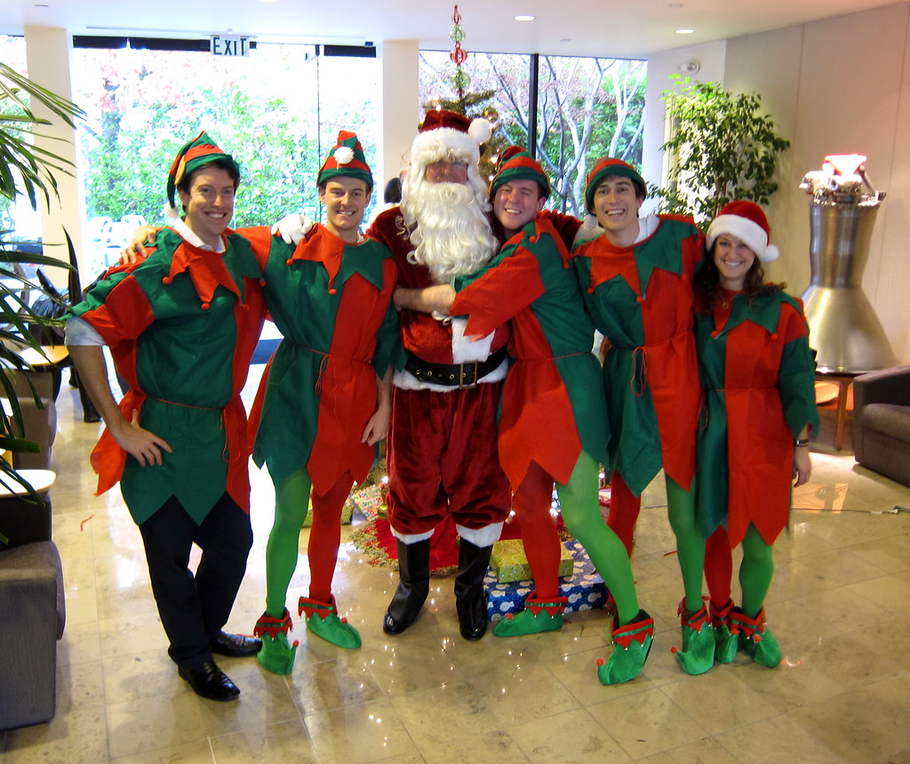 Santa The Merry Elves
