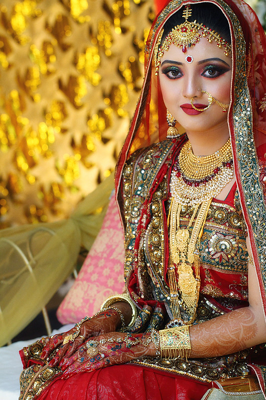 Beautiful Smiling Bride Wearing Traditional Sharee Flickr