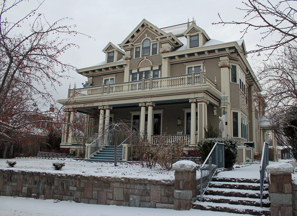 """Farr House 