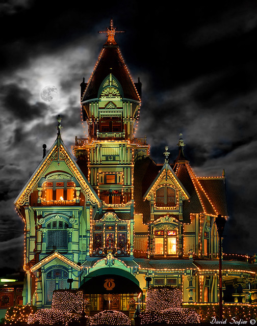 Carson mansion christmas lights 2010 flickr photo for Eureka ca cabins