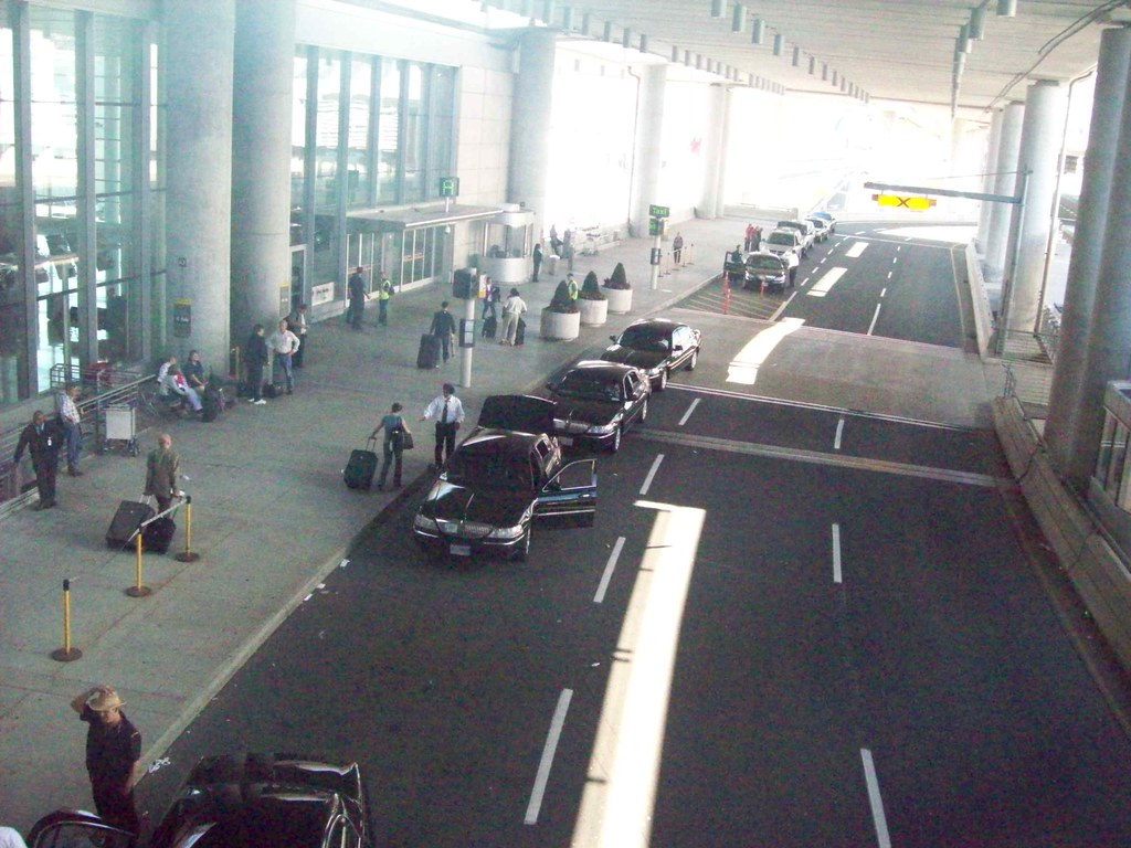 airport taxi markham toronto