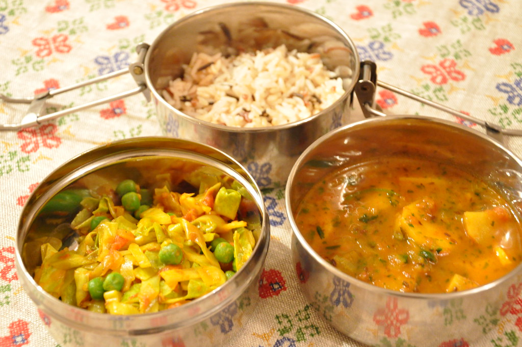 aloo jeera (potato & cumin) and cabbage curry | cabbage curr ...
