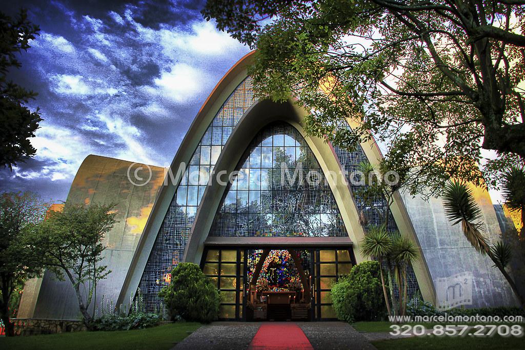 Capilla de los santos ap stoles del gimnasio moderno flickr for Gimnasio moderno