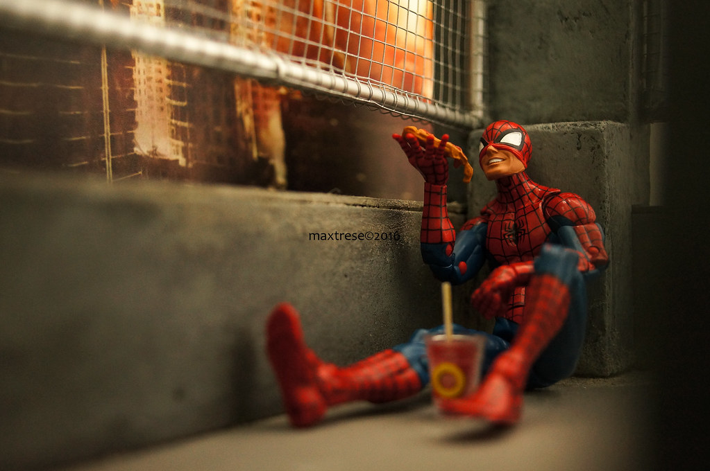 Pizza Spider-man's Break Time