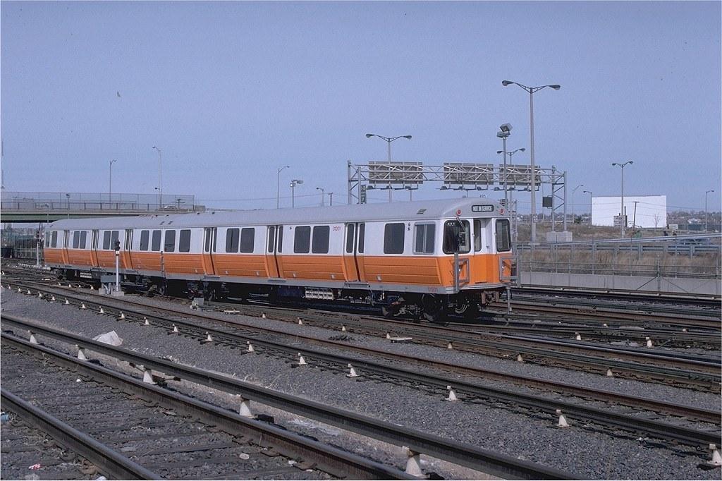 Cars On Line >> MBTA Orange Line Hawker-Siddeley cars 01200-01201 in the W ...